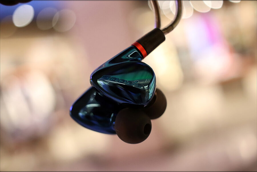 Hiby-Seeds-2-II-Entry-Level-Heavy-IEMs-Review-Audiophile-Heaven-05-900x601.jpg