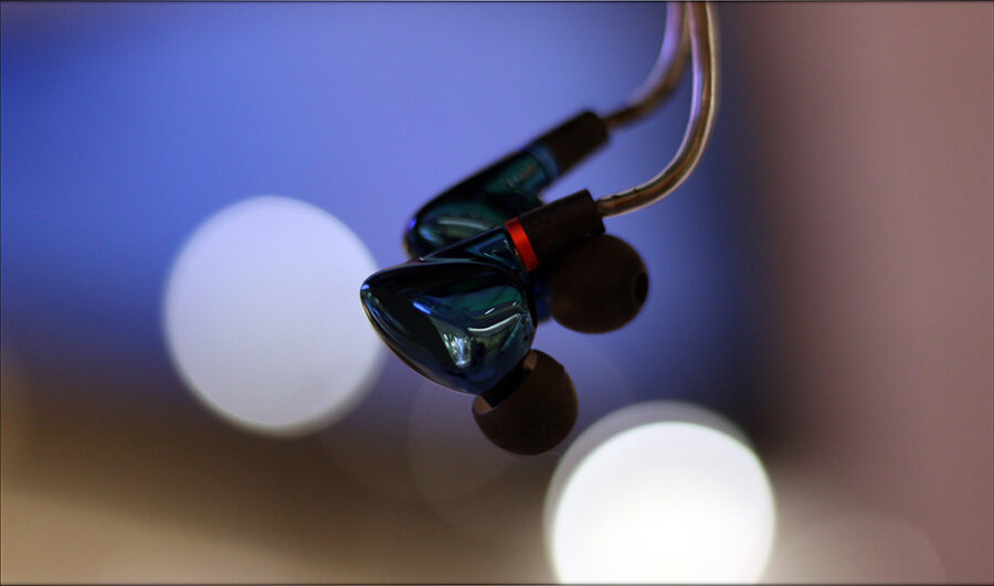 Hiby-Seeds-2-II-Entry-Level-Heavy-IEMs-Review-Audiophile-Heaven-22-900x531.jpg