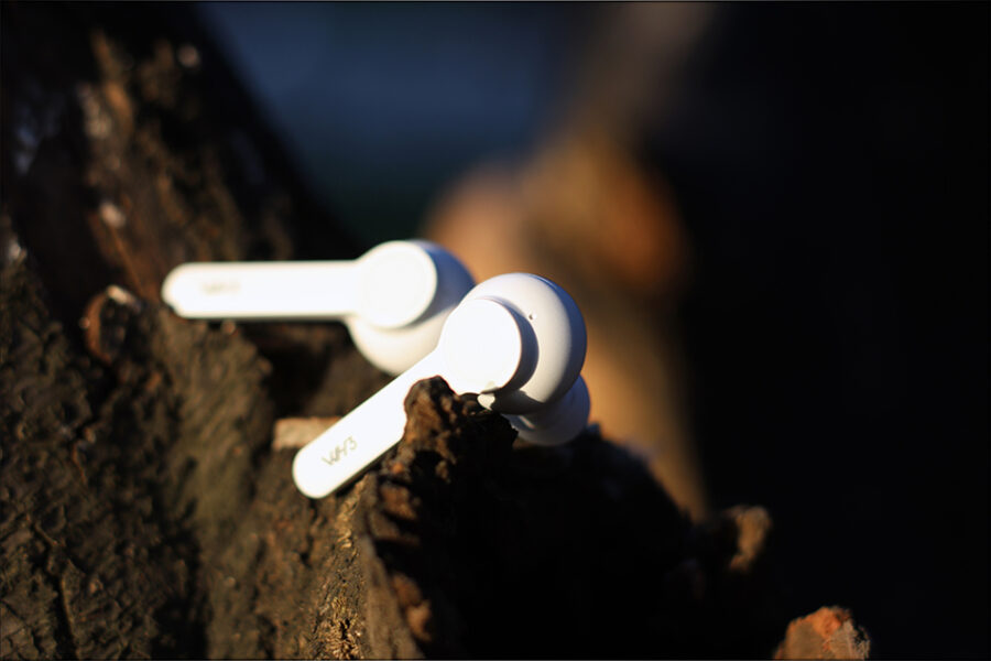 Hiby-WH3-WH-Three-TWS-Earbuds-IEMs-Earphones-LDAC-apt-X-Hd-LL-lossless-lossy-Review-Audiophile-Heaven-31-900x600.jpg