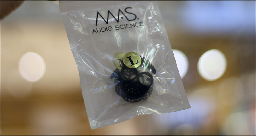 MAS-Audio-Science-Bass-Canon-IEMs-X5i-In-Ear-Midrange-Earphones-Review-Audiophile-Heaven-12-900x479.jpg