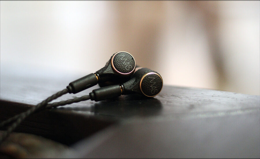 MAS-Audio-Science-Bass-Canon-IEMs-X5i-In-Ear-Midrange-Earphones-Review-Audiophile-Heaven-18-900x550.jpg