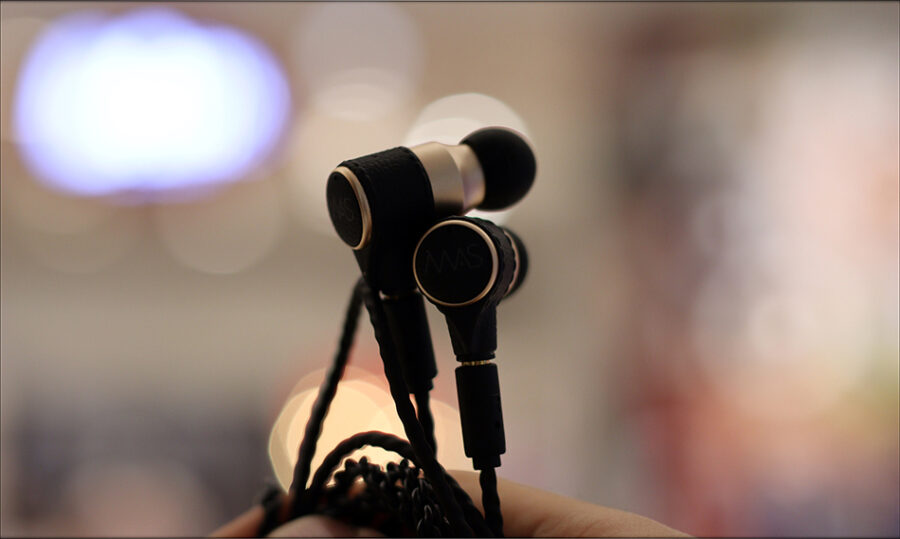 MAS-Audio-Science-Bass-Canon-IEMs-X5i-In-Ear-Midrange-Earphones-Review-Audiophile-Heaven-22-900x539.jpg