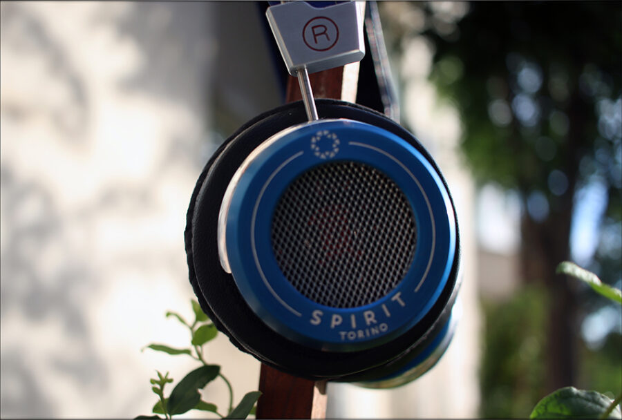 Spirit-Torino-Super-Leggera-Blue-Dynamic-Headphones-Flagship-Review-Audiophile-Heaven-06-900x608.jpg