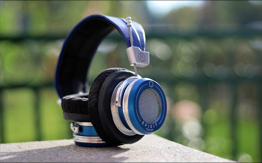 Spirit-Torino-Super-Leggera-Blue-Dynamic-Headphones-Flagship-Review-Audiophile-Heaven-29-900x560.jpg