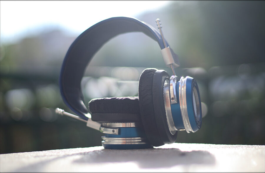 Spirit-Torino-Super-Leggera-Blue-Dynamic-Headphones-Flagship-Review-Audiophile-Heaven-30-900x586.jpg