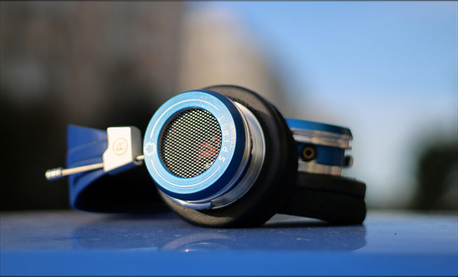 Spirit-Torino-Super-Leggera-Blue-Dynamic-Headphones-Flagship-Review-Audiophile-Heaven-36-900x544.jpg