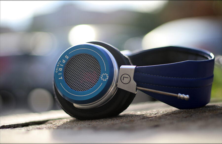 Spirit-Torino-Super-Leggera-Blue-Dynamic-Headphones-Flagship-Review-Audiophile-Heaven-37-900x587.jpg